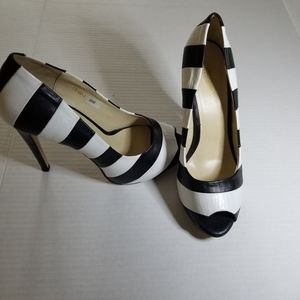 Sasha New York shoes Peep toe dressy